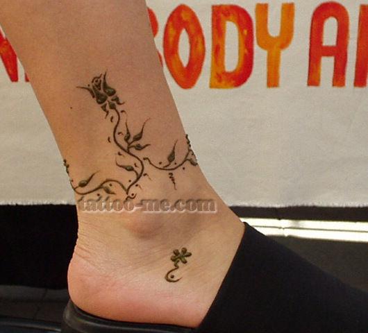 rose flower anklet henna tattoo