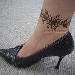flower anklet henna tattoo